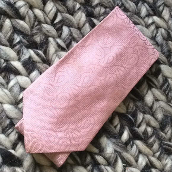 Insignia by Sigvaris Other - NSIGNIA Valentine Baby Pink Paisley Silk Tie